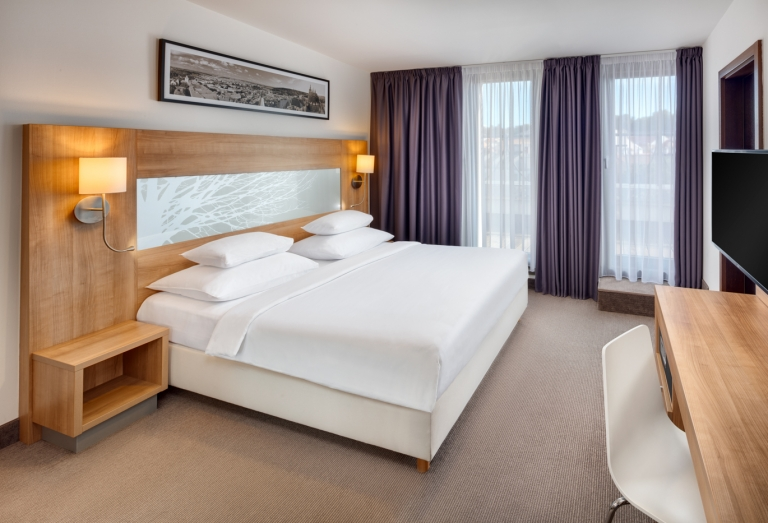 Suite 502 room